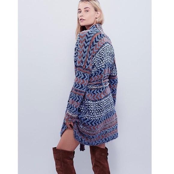 Free People Sweaters - • Free People oversized knit sweater size M •