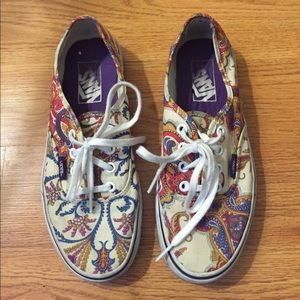 Vans Shoes - Vans size 6.5 in good condition