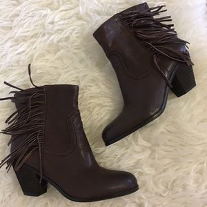 •Sam Edelman Louie brown fringe booties size 7.5•