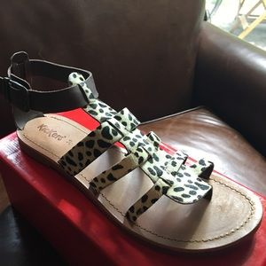 Kickers Shoes - Gladiator thong  Sandals : 🌴🌼 NEW