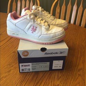 Ladies Reebok Mets Sneakers 👟