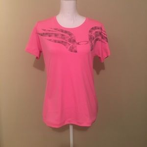 Under Armour Tops - Under armour t shirt