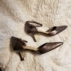 Norma Kamali Shoes - Pewter pointy toe kitten heel dress shoe