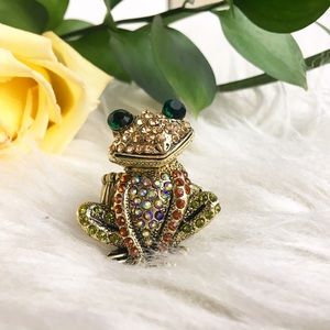 Jewelry - Frog rhinestone statement ring adjustable