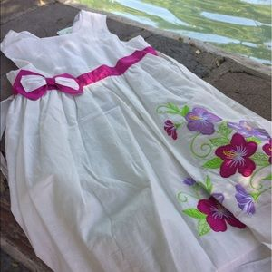 Other - White Summer Dress with lace belt