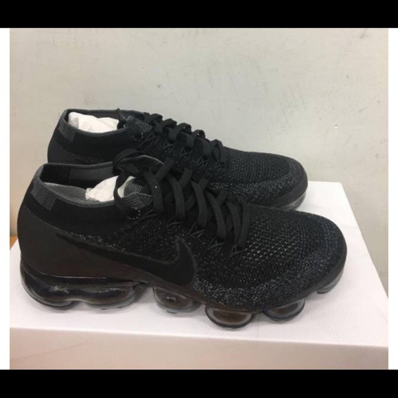 f2b28897e513a4 Nike Air Vapormax All black. NWT
