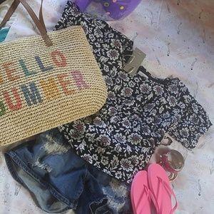 Liz Claiborne Tops - Floral blouse Liz Claiborne Voyager collection