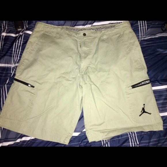 9b823ec4eee117 NWOT Jordan khaki shorts size 38