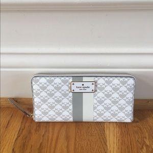 ❗️SALE❗️$168 Kate Spade wallet