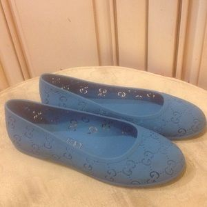 Gucci teal girls jelly shoes Sz 2/32
