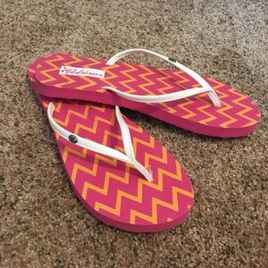 Cobian Shoes - Cobian flip flops, pink and white