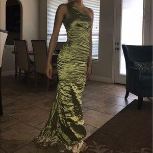 Nicole Miller Dresses & Skirts - Nicole Miller Green One Shoulder Dress