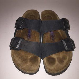 Birkenstock Shoes - Birkenstock Black Arizona Sandals 8/39