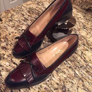 Salvatore Ferragamo Shoes - EUC Salvatore Ferragamo black and brown 8.5
