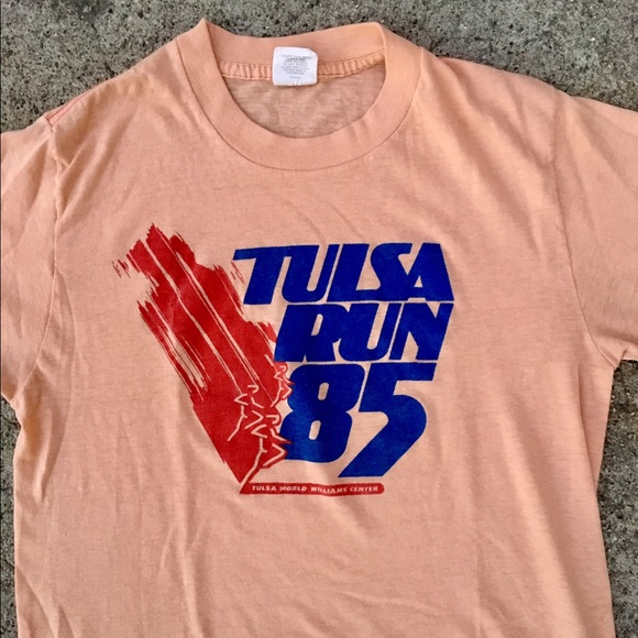 7ba41479 Urban Outfitters Tops | 1985 Vintage Tulsa Run Slightly Cropped ...