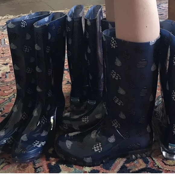 Women s TOMS CABRILLA Blue Raindrop Rain Boots NEW 530f9c4fba156
