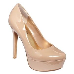 • Jessica Simpson patent nude high pumps size 7 •