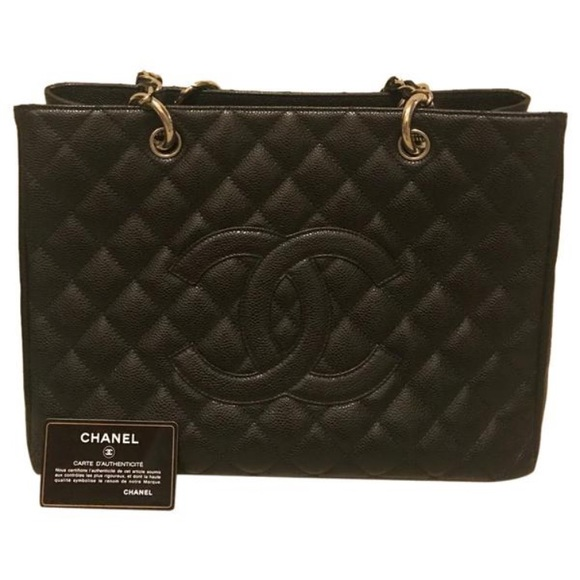 4873665cde28 CHANEL Handbags - Authentic CHANEL GST size medium silver hardware