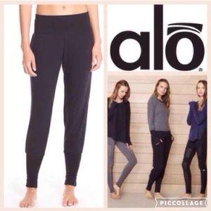 ALO Yoga Pants - LIKE NEW!  ALO Yoga Revive jogger pants in black