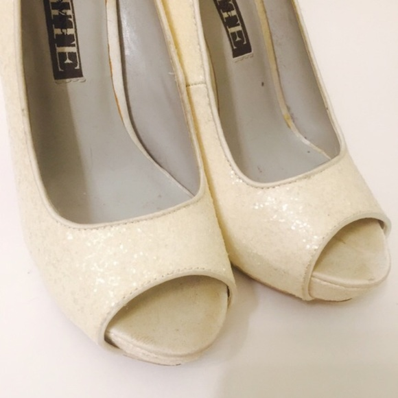 Vera Wang - Vera Wang White sparkle wedding heels from ...