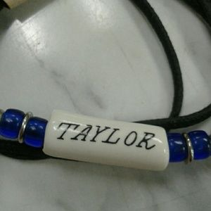 Choker necklace TAYLOR name bead
