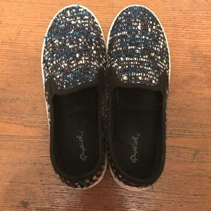 Qupid Shoes - Super cute Qupid slip ons