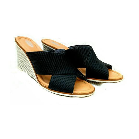 Nike Criss Cross Shoes Women