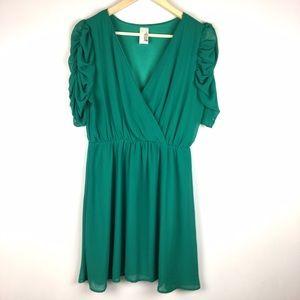 Francesca's Collections Dresses & Skirts - Francesca's Jade Green Faux Wrap Dress Large