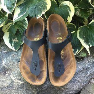 Birkenstock Shoes - Black Birkenstock Gizeh sandals