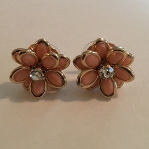 B-Long Boutique Jewelry - 💕💕Flower Studs