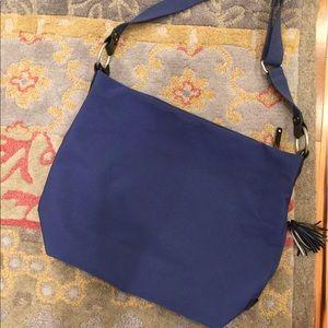 Beautiful Ellington satchel carries so much!