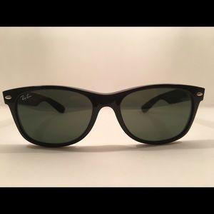 Ray Ban Wayfarers Black Sunglasses
