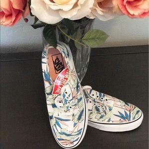 Vans Shoes - 🌷Vans Hawaii Lace Up🌷