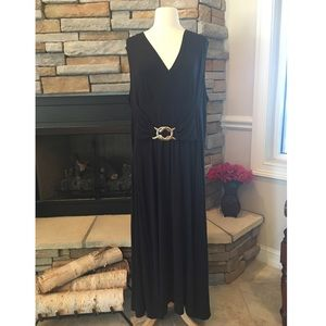 Liz Lange Dresses & Skirts - Maxi Dress- NWOT