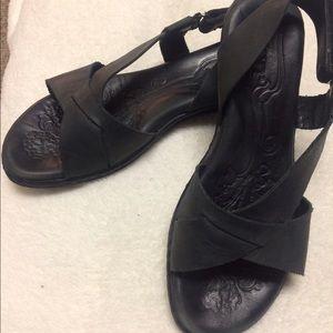 Born Shoes - Black Born Sandals Size 8