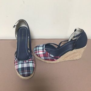 Shoes - End of summer sale!! Cute summer sandals!