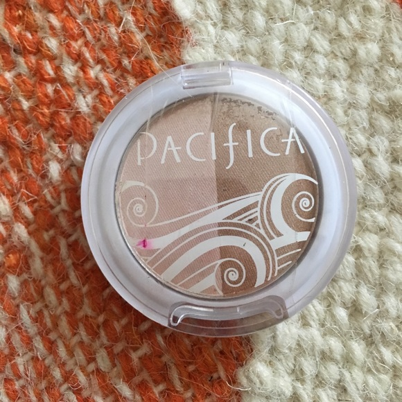 Amore Pacific Makeup - Pacifica natural beauty blush and bronzer duo