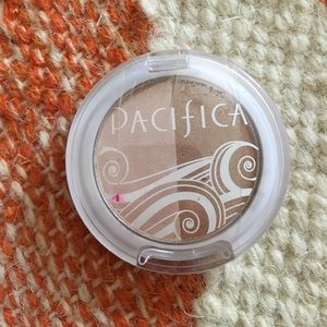 Amore Pacific Other - Pacifica natural beauty blush and bronzer duo