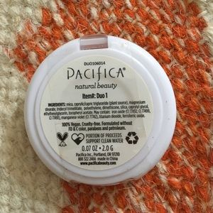 Makeup - Pacifica natural beauty blush and bronzer duo