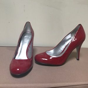 Shoes - ✨✨Size 8.5 red Jessica Simpson pump