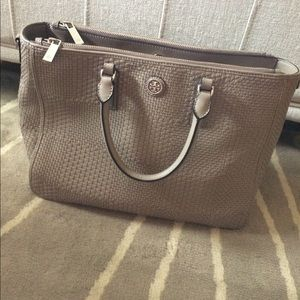 Tory Burch Handbags - Tory Burch French Gray Woven Double Zip Tote