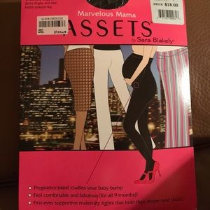 ASSETS by Sara Blakely Other - Black maternity tights assets by Sarah Blakely