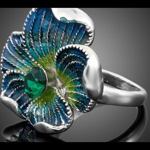 Anthropologie Jewelry - White Gold Plated Austrian Crystal  Flower Ring