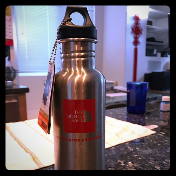 9f5525e0e 🔥🔥BRAND NEW north face water bottle Must see!! NWT