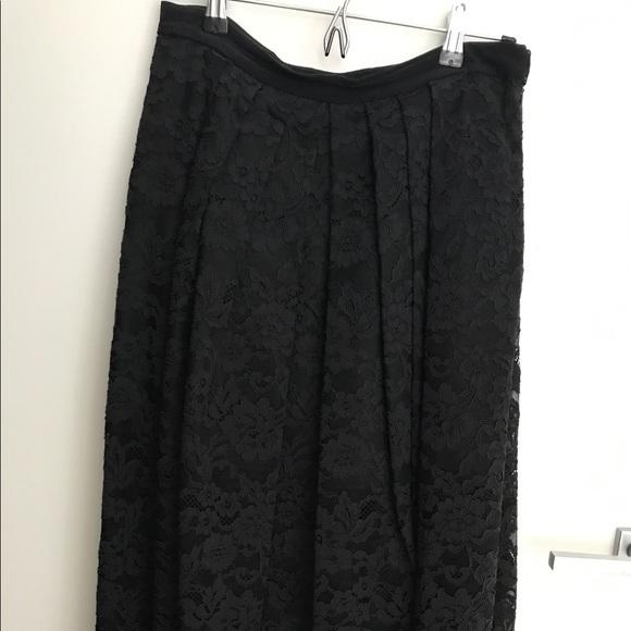 Tibi Dresses & Skirts - Tibi Elegant Lace midi skirt!