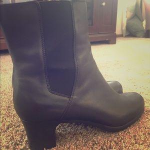 Comfortology Shoes - Comfortology Leather Heeled Booties