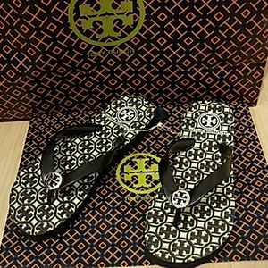 Tory Burch Shoes - Tory Burch flip flop Black and cream Logo size 5