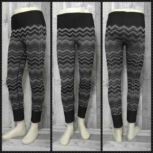 a2a987468 lululemon athletica Pants - Lululemon Ebb To Street Zigzag Tights Leggings 8