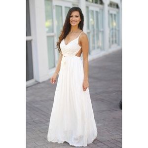 Dresses & Skirts - White Lace Maxi Dress with Open Back
