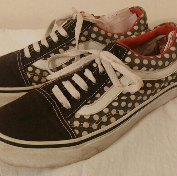 385bb56576 VANS OLD SKOOL RED BLACK WHITE POLKA DOT LACE UP.  M 594702b456b2d6f08c01daaa. Other Shoes ...